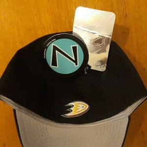 Zephyr Accessories - Retro Mighty Ducks Zephyr Fitted Hat 7 3/8